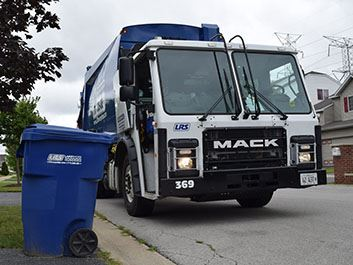 Lakeshore Recycling Systems Garbage Truck 2