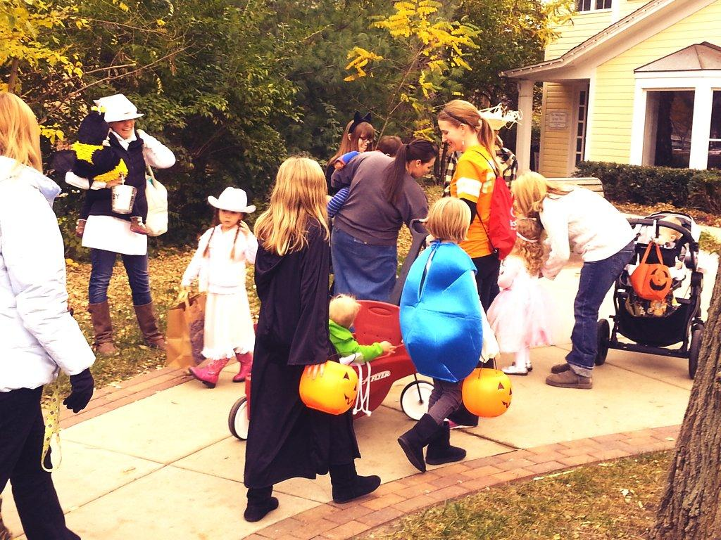 Downtown Trick or Treat - Chrusciel Family